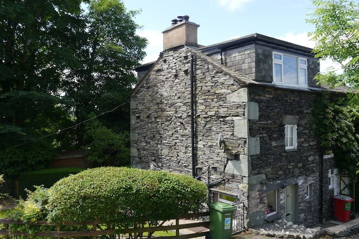 Cosy lakeland cottage in the heart of Ambleside - Ambleside - Rumah