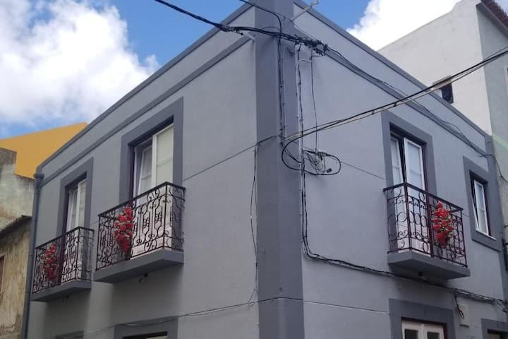 Modern Upper Level Apartment in Downtown Setubal