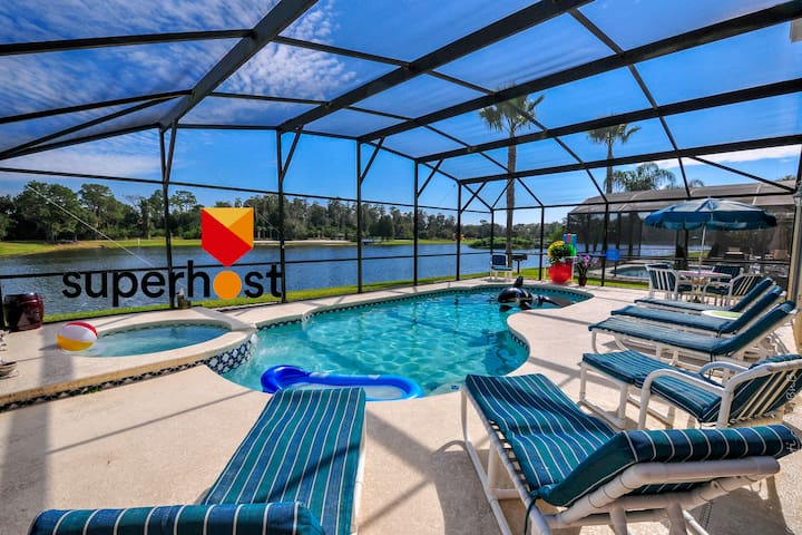The Lake House. 7Br 4.5ba with private pool! - Kissimmee - Dům