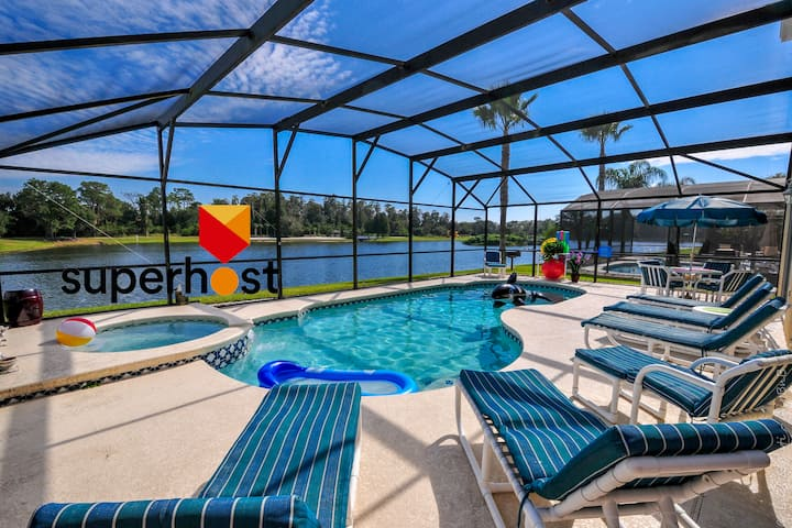 The Lake House! 7Br 4.5ba with private pool!