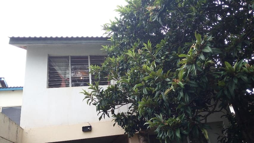 Private Room, Fully-serviced in 4br Hse. With WIFI - Nairobi - Haus