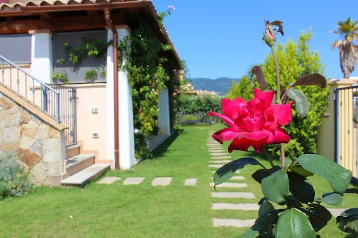 B&B Acquachiara Villasimius matrimoniale con patio