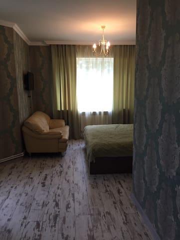 Семейный Уют у озера Севан в гостинице Камбуз.