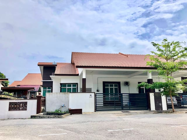 Seri Rendang Homestay Pekan Pahang (Unifi 100mbps)