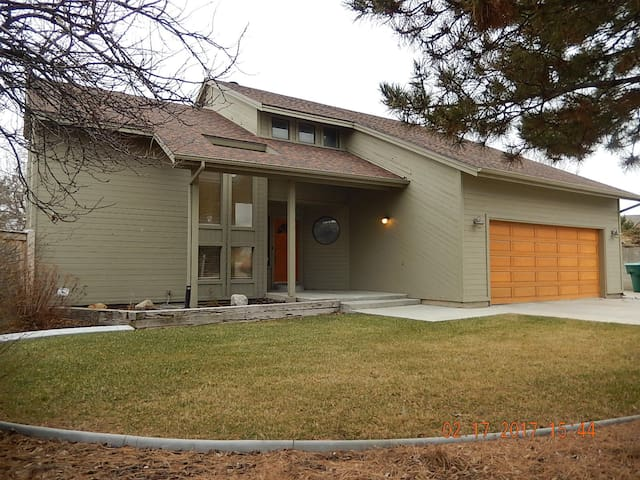 West Jordan House, on Large Private Lot