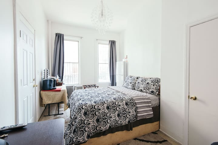 Own entrance private room &bathroom - Brooklyn - Appartement