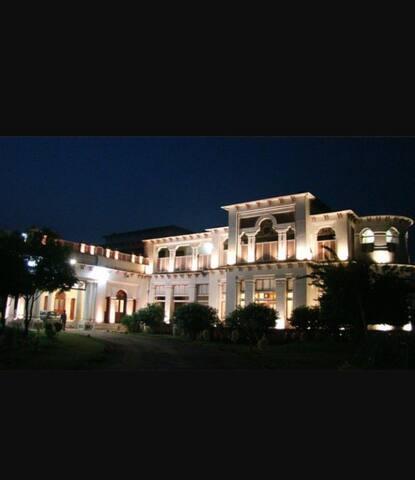Maihar Heritage palace homestay