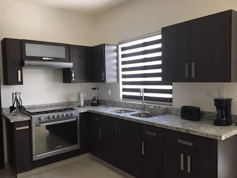 Brand new modern house for 10.  Executive stays