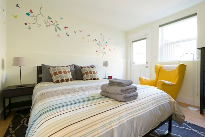 Perfect flat for travelers in peaceful Noe Valley