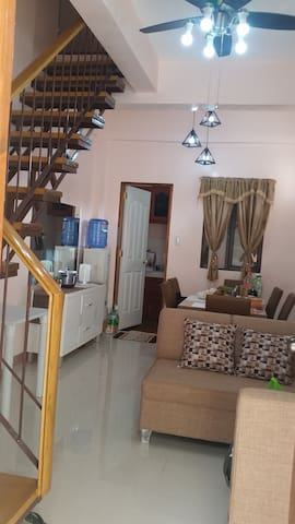 UptownHill : Sunny, family-friendly apartment - Tagbilaran City - Daire