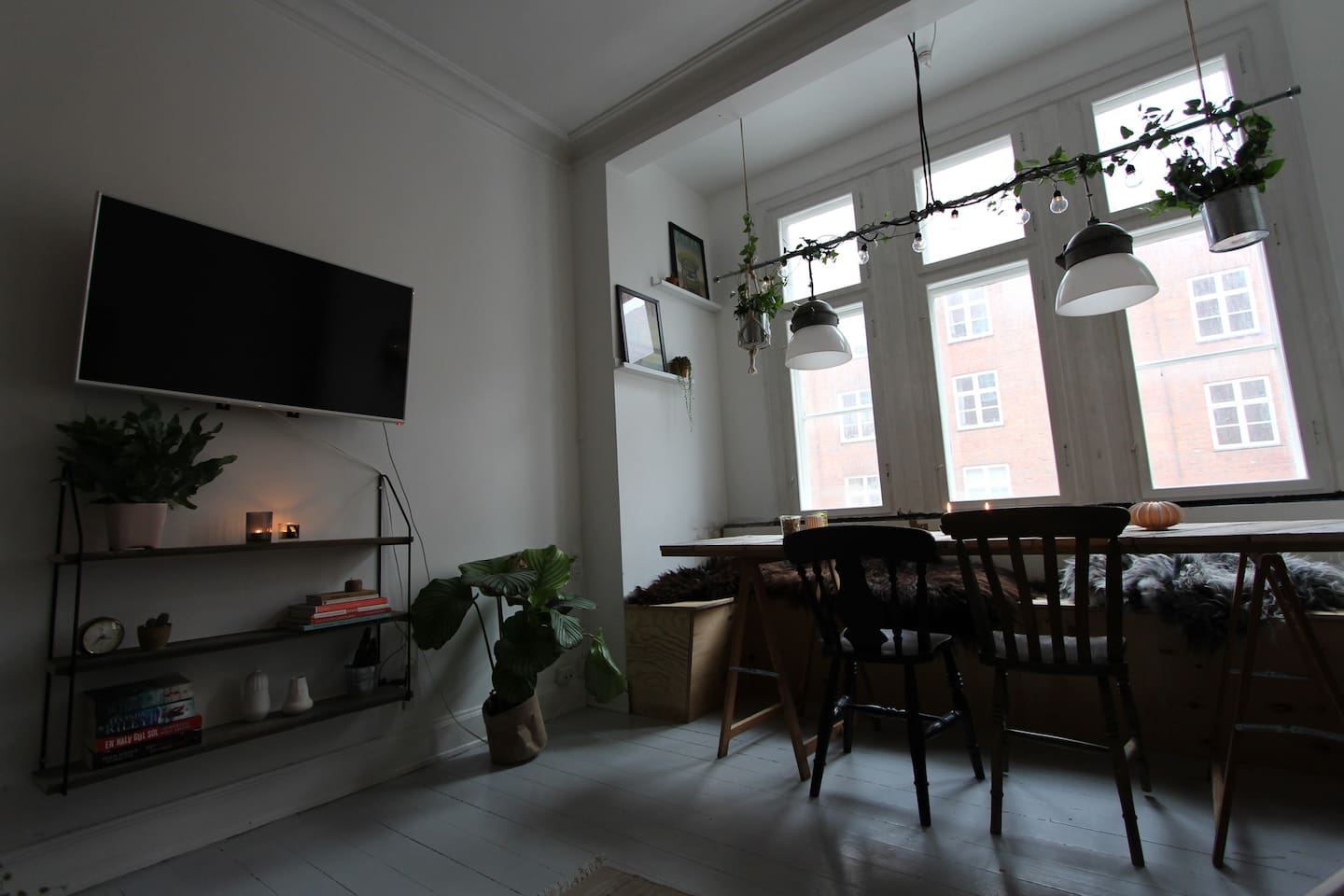 Central and cozy room in a lovely apartment