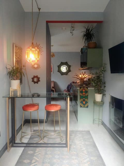 Self-contained Studio off popular Ormeau road