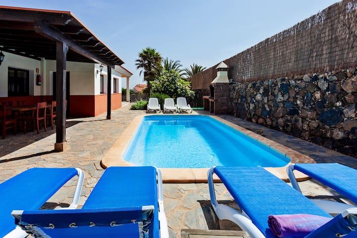 Casa La Vera, detached villa, private pool