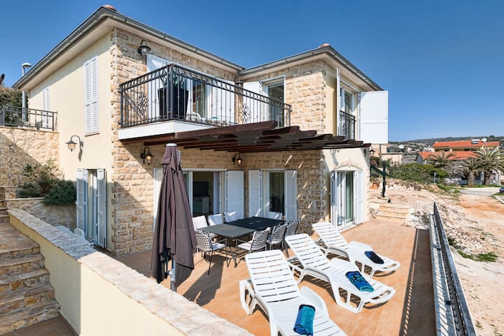 Villa Tipa 1