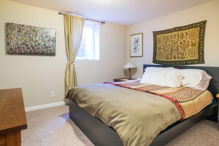 Cozy 3-Room Suite Close to All Colorado Offers