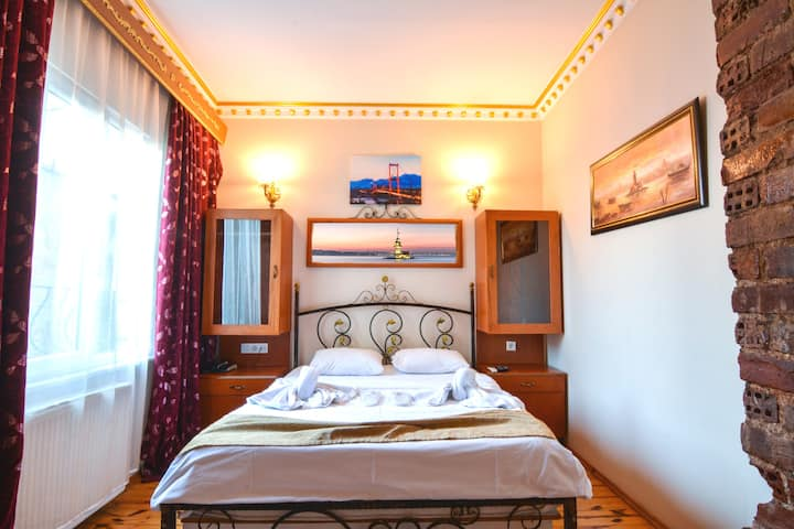SİNGLE OR DOUBLE ROOM WİTH BREAKFAST