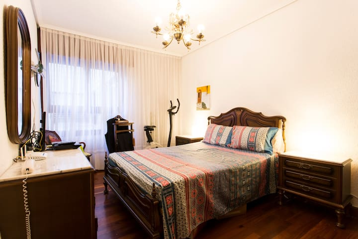 beautiful room - Bilbao - Apartamento