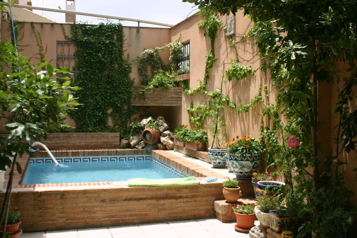 Nice house in Granada with litle swimming pool