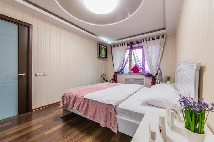 Квартира уютная в центре видовая на Парк Славы