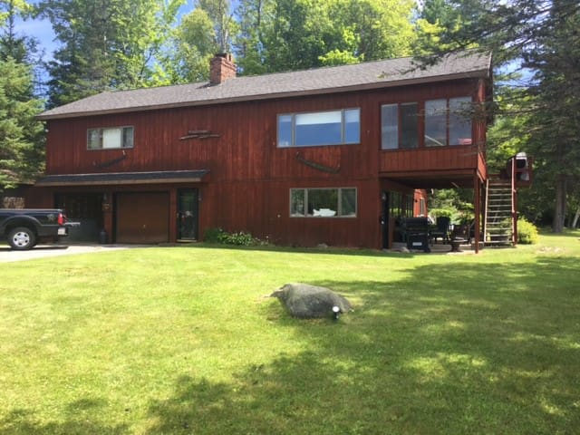 Cozy lakefront 4 seasons Adirondack home - Indian Lake - Ev