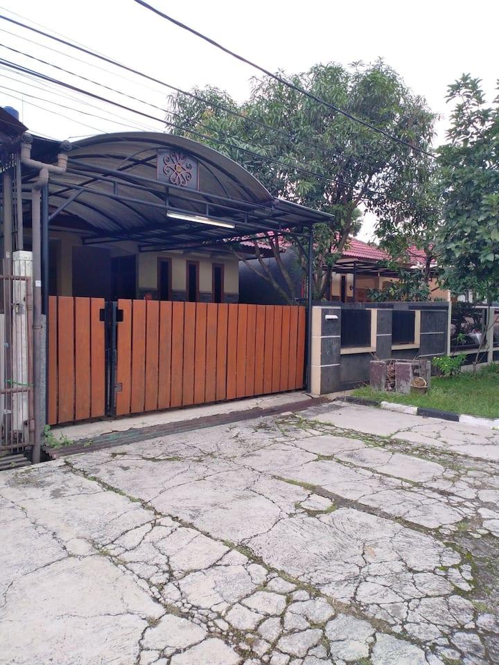 Kalijati 48 Guesthouse