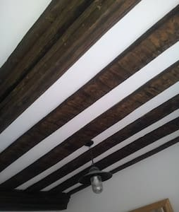 Double Room with Carved 17th Century Beams! - Bromham - Ház