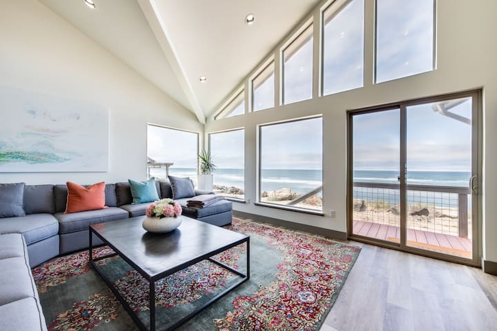 Newly built oceanfront home w/ incredible views, A/C & beach access, 2 dogs OK!