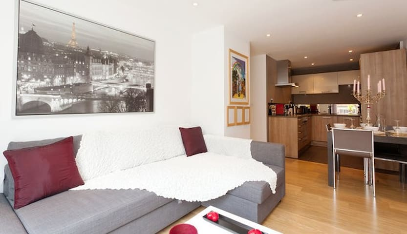 Luxury modern apartment minutes from King's Cross