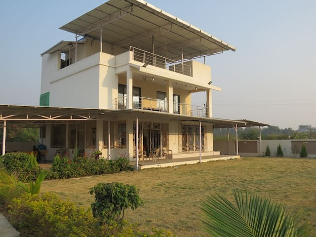 Sea View AC 3BHK Villa in Umbergaon, Gujarat