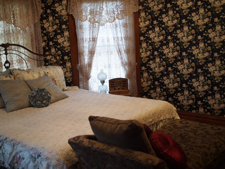 The Abigail room- Brenda's Dream BnB