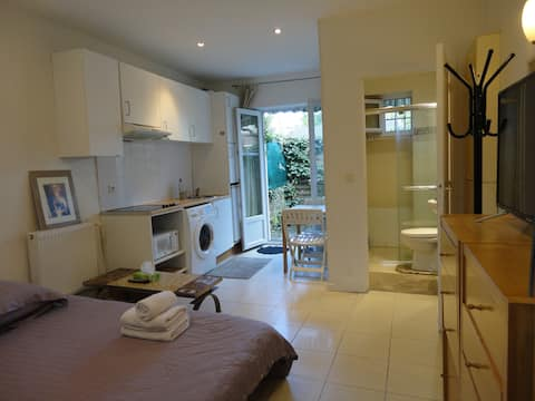 nice apartment ideally located
