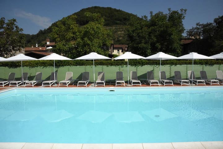Apartment in the Franciacorta, with private balcony and shared swimming pool