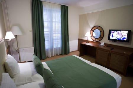 Hotelszoba reggelivel/Hotel room with breakfast - Balatonlelle