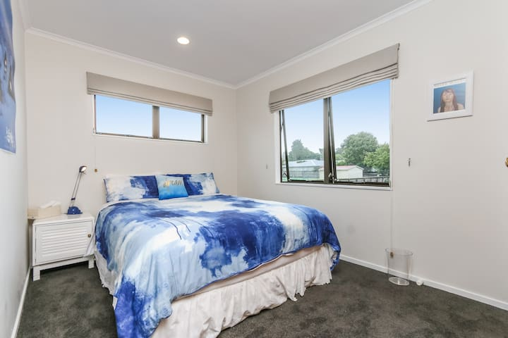 EPSOM - Sunny Queen Room - Auckland - Hus