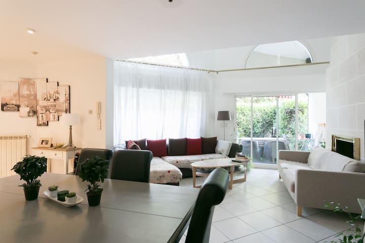 Chambre 2 près PARIS ORLY Maison pleine de charme - Thiais