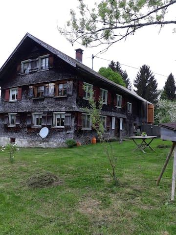 gemütliches, altes Bauernhaus