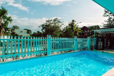 Spacious Apt w/ Sea View - Private Beach + Aircon