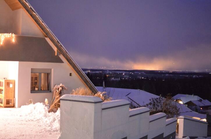 Blick bis Linz, zumindest von der Hauseinfahrt aus oder beim Abendspaziergang