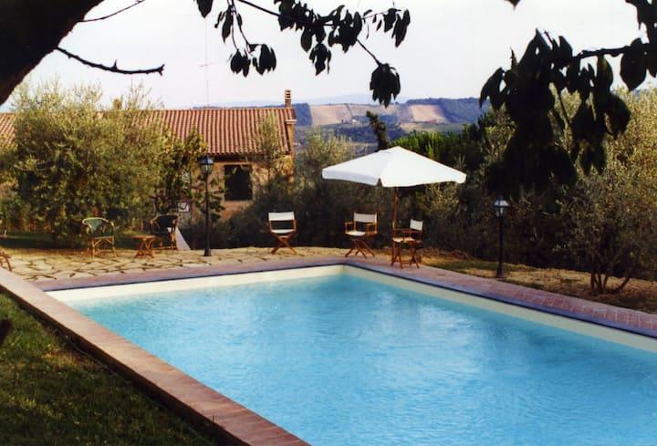 Leccino - Villa Oliveta
