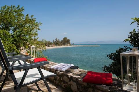 Apartament la malul mării, în Kiveri, lângă Nafplion.