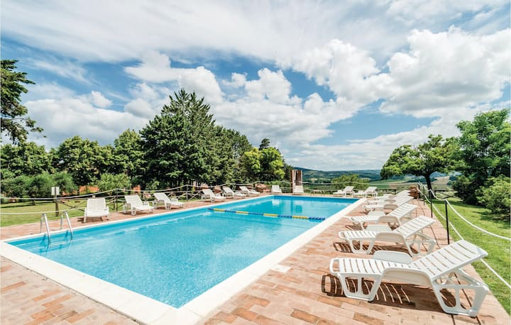 Beautiful home in Castiglione d.Lago PG with 1 Bedrooms