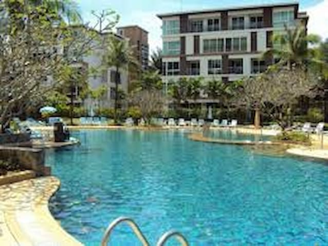 1 Bedroom Condo walk distance to the beach - Tambon Patong - Apartment