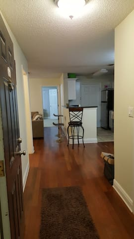 Great Sandy Springs place, 1 bed with Private bath - Sandy Springs - Apto. en complejo residencial