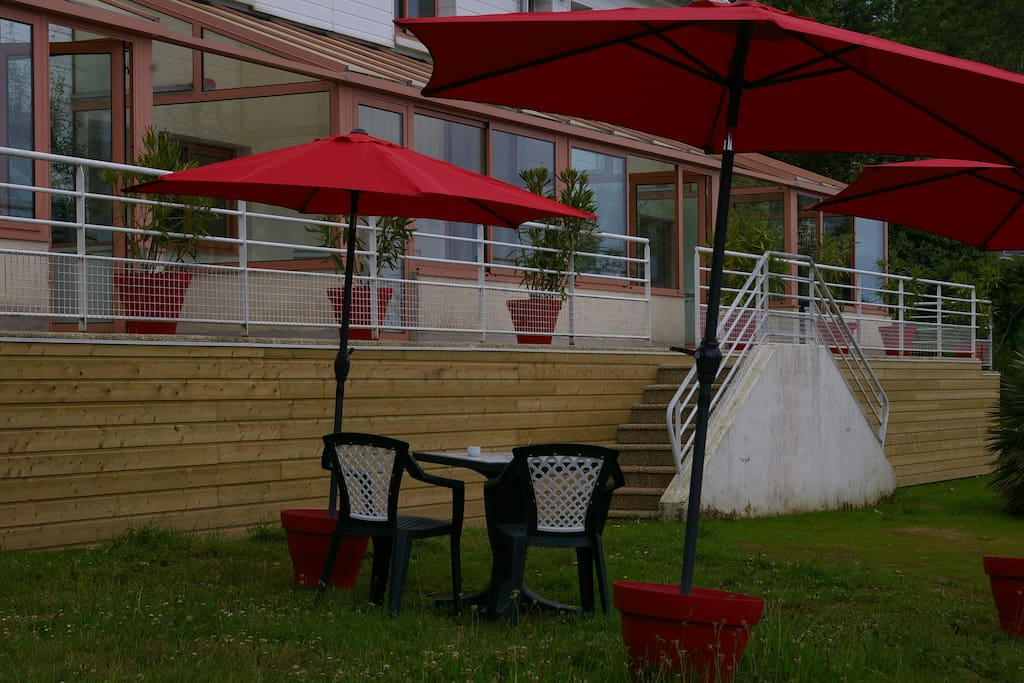 2 chambres vue mer avec terrasse jardin sud ouest for Chambre agriculture 13 cfe