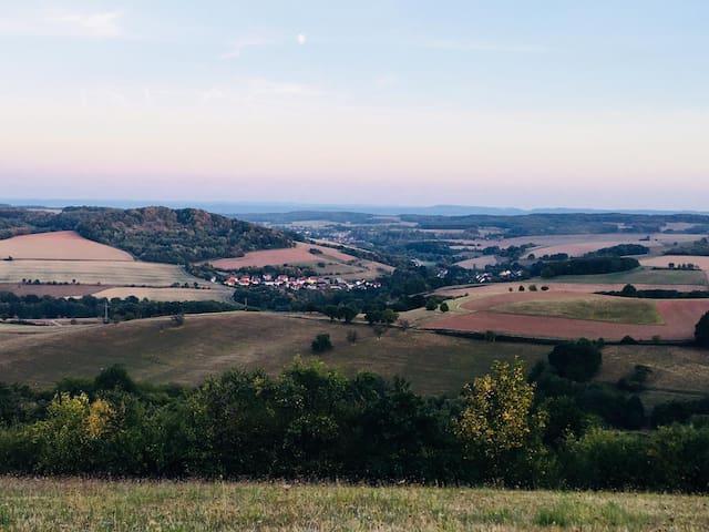 Landhaus im Pfälzer Wald mit großem Grundstück