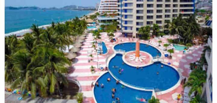 Acapulco con playa