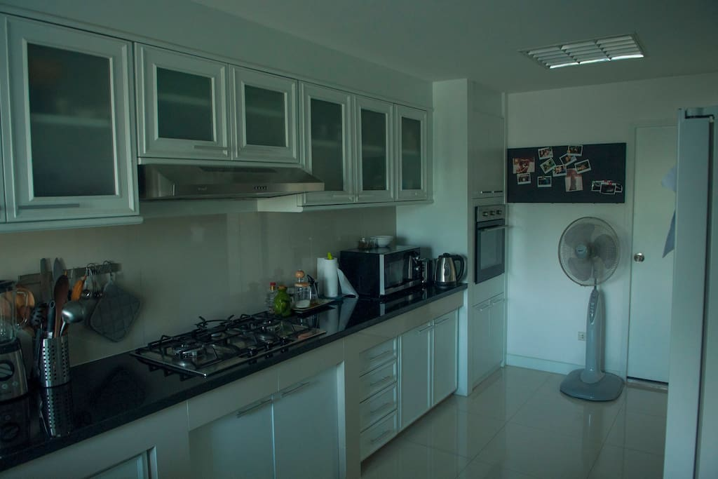 Fully equipped kitchen, including oven.