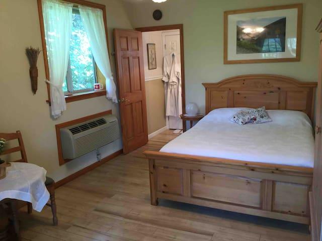 Swiss room at Les Lavandes Suites