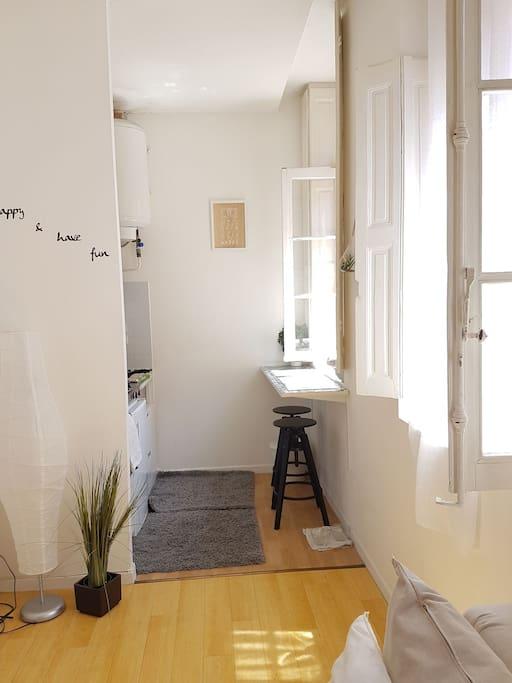 studio lumineux hyper centre ville toulouse appartements louer toulouse occitanie france. Black Bedroom Furniture Sets. Home Design Ideas