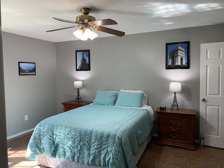 Private Suite in Accommodating Home